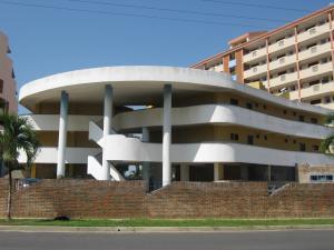 Apartamento En Ventaen Higuerote, Puerto Encantado, Venezuela, VE RAH: 16-19230