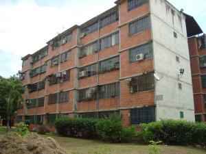 Apartamento En Ventaen Guarenas, Nueva Casarapa, Venezuela, VE RAH: 16-19354