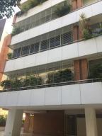 Apartamento En Alquileren Caracas, Campo Alegre, Venezuela, VE RAH: 16-19690