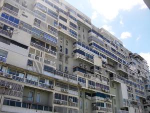 Apartamento En Ventaen Caracas, Los Chaguaramos, Venezuela, VE RAH: 16-20324