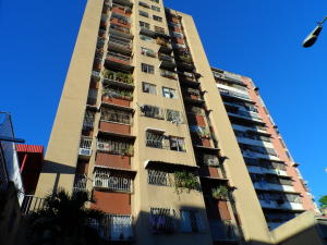 Apartamento En Ventaen Caracas, Parroquia Santa Rosalia, Venezuela, VE RAH: 17-315