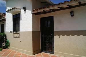 Townhouse En Ventaen Higuerote, Via Curiepe, Venezuela, VE RAH: 17-383