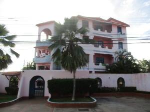 Apartamento En Ventaen Margarita, Sector San Lorenzo, Venezuela, VE RAH: 17-681