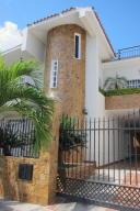 Casa En Ventaen Charallave, Charallave Country, Venezuela, VE RAH: 17-929