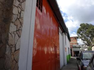 Galpon - Deposito En Ventaen Caracas, Municipio Baruta, Venezuela, VE RAH: 17-1529