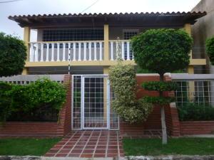 Townhouse En Ventaen Cabimas, Buena Vista, Venezuela, VE RAH: 17-1660