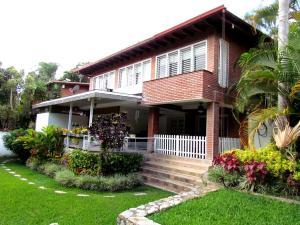 Casa En Ventaen Caracas, Las Esmeraldas, Venezuela, VE RAH: 17-1876