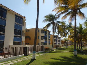 Apartamento En Ventaen Cupira, Bosque Mar, Venezuela, VE RAH: 17-2724