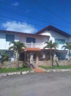 Casa En Ventaen San Antonio De Los Altos, La Rosaleda, Venezuela, VE RAH: 17-2760