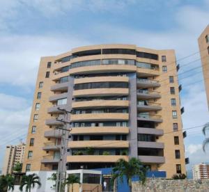 Apartamento En Ventaen Municipio Naguanagua, Palma Real, Venezuela, VE RAH: 17-3542