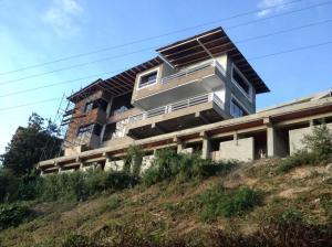Casa En Ventaen San Antonio De Los Altos, Club De Campo, Venezuela, VE RAH: 17-3633