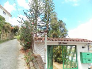 Casa En Ventaen Municipio Los Salias, Las Polonias Viejas, Venezuela, VE RAH: 17-3692