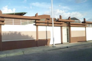 Casa En Ventaen Cagua, Parque Residencial Don Juan, Venezuela, VE RAH: 17-3967