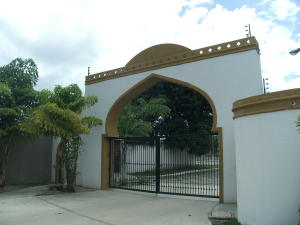Townhouse En Ventaen Higuerote, Ciudad Balneario Higuerote, Venezuela, VE RAH: 17-4063