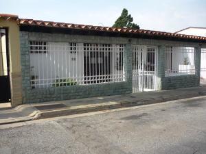 Casa En Ventaen San Antonio De Los Altos, La Arboleda, Venezuela, VE RAH: 17-4081