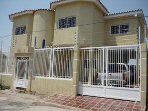Casa En Ventaen Ciudad Ojeda, Avenida Vargas, Venezuela, VE RAH: 17-4362