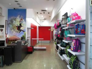 Local Comercial En Ventaen Caracas, La Hoyada, Venezuela, VE RAH: 17-4416