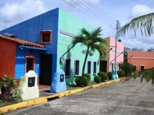Casa En Ventaen Higuerote, Higuerote, Venezuela, VE RAH: 17-4498