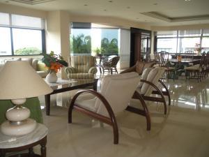 Apartamento En Ventaen Caracas, Altamira, Venezuela, VE RAH: 17-4611