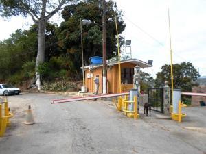 Terreno En Ventaen Caracas, Los Robles, Venezuela, VE RAH: 17-4883
