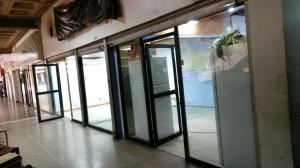 Local Comercial En Ventaen Caracas, Propatria, Venezuela, VE RAH: 17-4957
