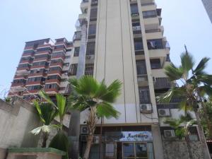 Apartamento En Ventaen La Guaira, Macuto, Venezuela, VE RAH: 17-5368