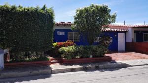 Casa En Ventaen Margarita, San Antonio, Venezuela, VE RAH: 17-5481