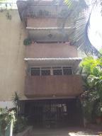 Edificio En Ventaen Caracas, Las Mercedes, Venezuela, VE RAH: 17-6179
