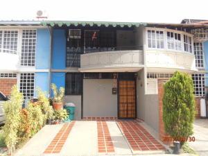 Townhouse En Ventaen Guarenas, Nueva Casarapa, Venezuela, VE RAH: 17-6382