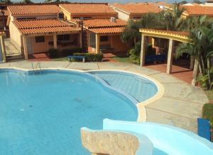 Townhouse En Ventaen Chichiriviche, Flamingo, Venezuela, VE RAH: 17-6682