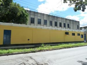 Galpon - Deposito En Alquileren Guarenas, Zona Industrial Maturin, Venezuela, VE RAH: 17-6877