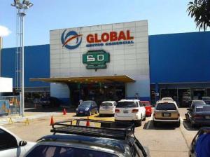 Local Comercial En Ventaen Maracay, Avenida Bolivar, Venezuela, VE RAH: 16-20326