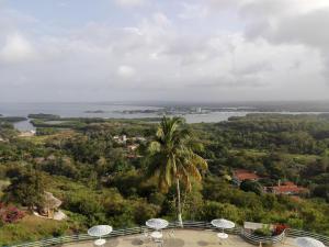 Apartamento En Ventaen Higuerote, Carenero, Venezuela, VE RAH: 17-7072