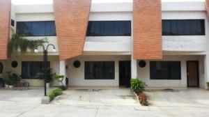 Townhouse En Ventaen Municipio Naguanagua, El Guayabal, Venezuela, VE RAH: 17-7094