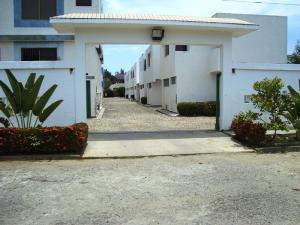 Townhouse En Ventaen Rio Chico, Los Canales De Rio Chico, Venezuela, VE RAH: 17-7505