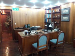 Oficina En Ventaen Caracas, Los Cortijos De Lourdes, Venezuela, VE RAH: 17-8278