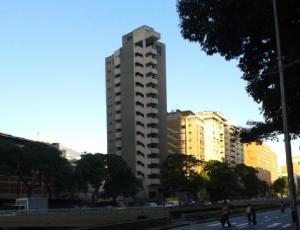 Local Comercial En Ventaen Caracas, Sabana Grande, Venezuela, VE RAH: 17-8157