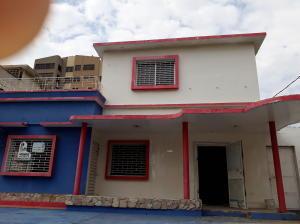 Casa En Ventaen Maracaibo, Santa Maria, Venezuela, VE RAH: 17-5857