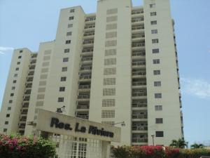 Apartamento En Ventaen Catia La Mar, Playa Grande, Venezuela, VE RAH: 17-8410