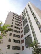 Apartamento En Ventaen Maracaibo, Avenida Goajira, Venezuela, VE RAH: 17-8538