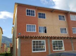 Apartamento En Ventaen Guatire, Alto Grande, Venezuela, VE RAH: 17-8630