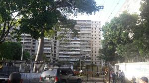Apartamento En Ventaen Caracas, Caricuao, Venezuela, VE RAH: 17-8821
