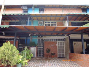 Townhouse En Ventaen Guarenas, Nueva Casarapa, Venezuela, VE RAH: 17-9029
