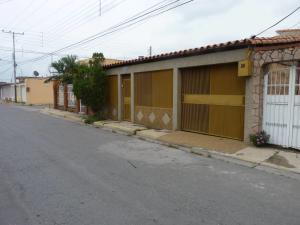 Casa En Ventaen Turmero, Villas Paraiso, Venezuela, VE RAH: 17-9808