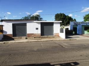 Local Comercial En Ventaen Carora, Municipio Torres, Venezuela, VE RAH: 17-9872