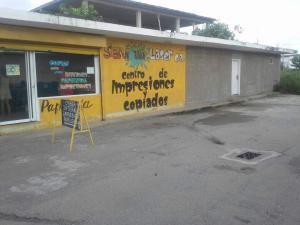 Terreno En Ventaen Ciudad Ojeda, Avenida Vargas, Venezuela, VE RAH: 17-10154