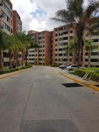Apartamento En Ventaen Caracas, Los Naranjos Humboldt, Venezuela, VE RAH: 17-10719