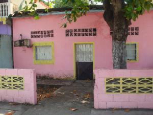 Casa En Ventaen Higuerote, Higuerote, Venezuela, VE RAH: 17-11754