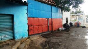 Local Comercial En Ventaen Maracay, Campo Alegre, Venezuela, VE RAH: 17-12096