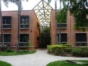 Apartamento En Ventaen Municipio Naguanagua, Maã±Ongo, Venezuela, VE RAH: 17-12542